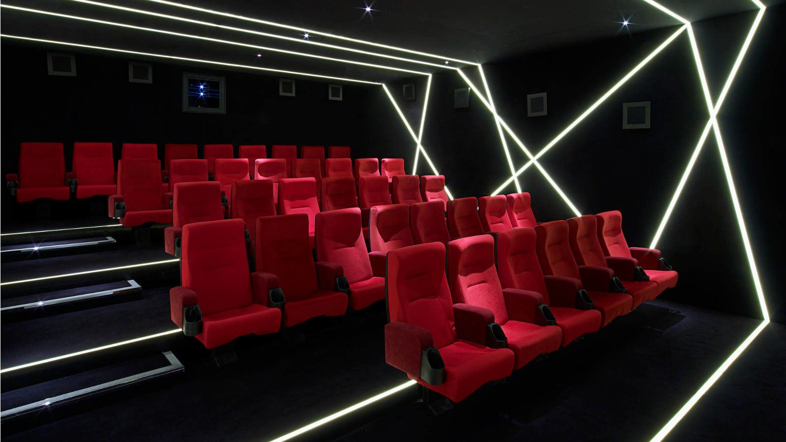 3D cinema screen
